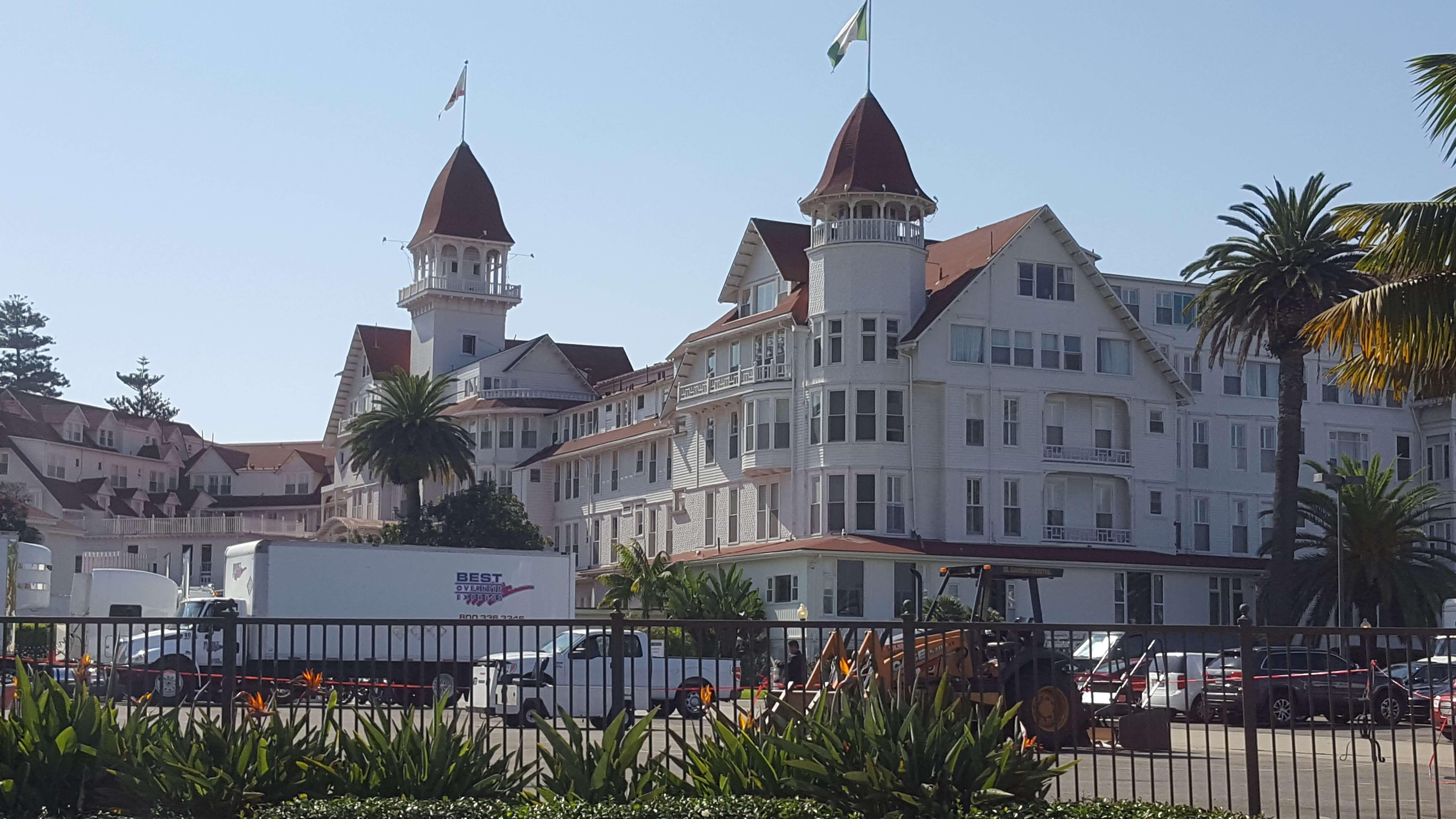 The massive Hotel Del Coronado