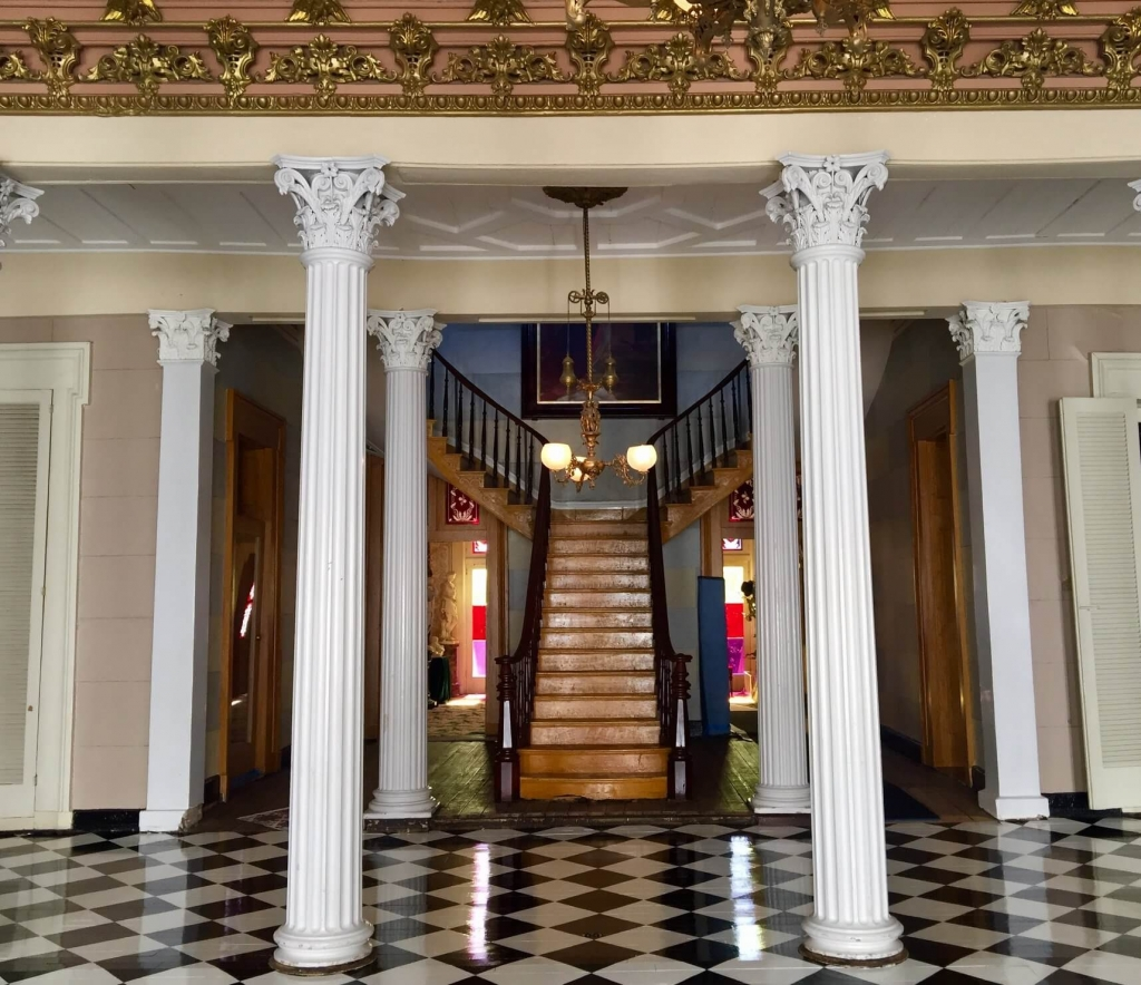 The Grand Staircase at Belmont Mansion in Nashville, TN